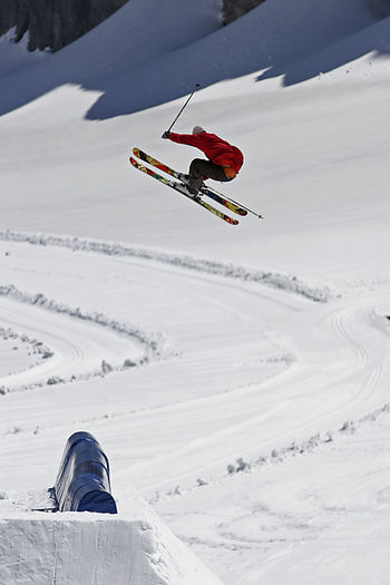 Cold Temperature Day Extreme Sports Freedom Freeskiing Freestyle Full Length Glacier Leisure Activity Lifestyles One Person Outdoors Real People Ski-wear Slopestyle Snow Snowboarding Snowcapped Mountain Snowpark Sport Trip Unrecognizable Person Vacations Winter Winter Sport