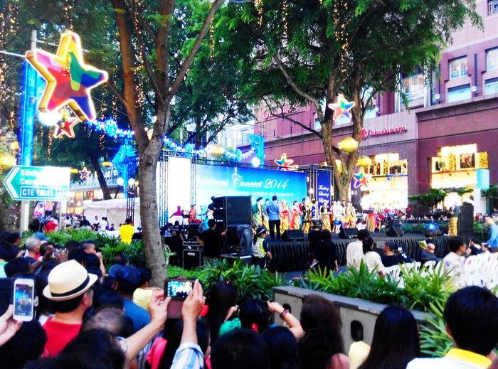 Festive Mood strolls City Life Cityscape Crowded Festive Crowds Festive Season Shopping Shopping Center Shopping Time