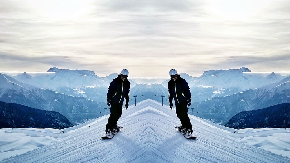 I love this mirroreffect Snow Winter Ski Holiday Outdoors Mountain Cold Temperature Adventure Winter Sport Sport Landscape Day Sky Mirroreffect Mirrored Effect Snowboarding Snow Mountain