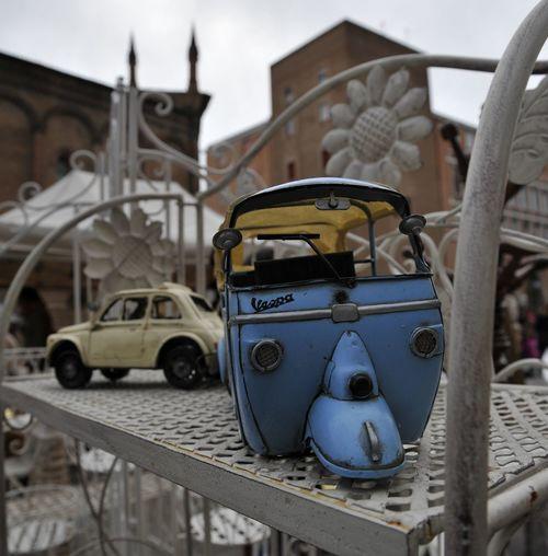 Ferrara Ferrara- Italy FerraraCity Gig Vespa Antique Market Calessinomadeinlove Flea Market Fleamarket Gigs Thrift Shop Vespa Piaggio Vintage Cars Vintage Car Vintage Vintage Photo Cinquecento