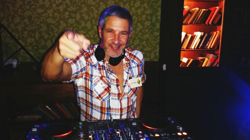 Salsa DJ's salsawim el guapo en el cuban Room