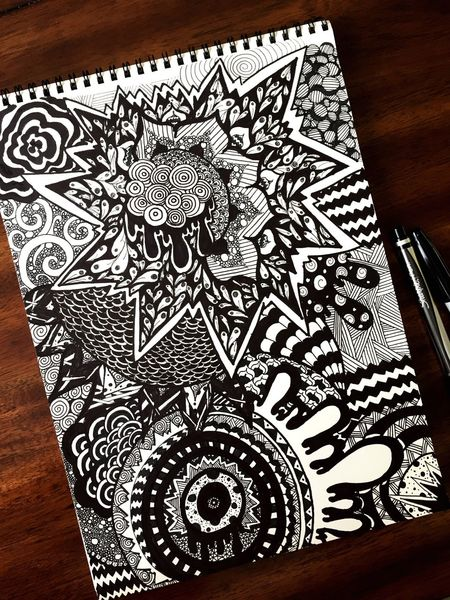 |i|•+ø] Domingo en fuego, I think I lost my halo, I don't know where you are, You'll have to come and find me, find me [ø+•|i| I haven't posted a doodle in a while...just finished this one today. Drawing will always help reduce anxiety and stress. Zentangle Drawing Doodle Black And White Art Sharpie Art Sharpie Peace Twenty One Pilots Geometric Shapes