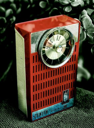 Old-fashioned Retro Styled Communication Time Day Indoors  No People Close-up Clock Minute Hand Clock Face AM Transistor Heirloom