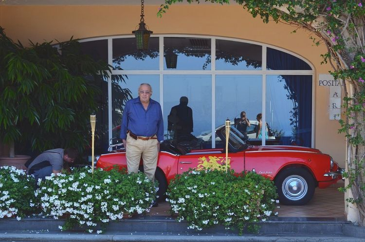 Old dandy. ЯПИталия The Street Photographer - 2015 EyeEm Awards Italy Positano Rich Old Man Car Dandy The Moment - 2015 EyeEm Awards Streetphotography This Is Aging
