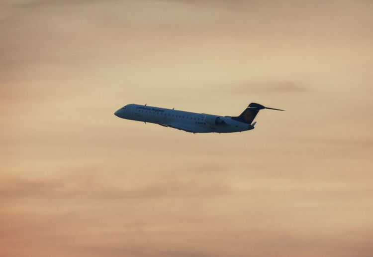 Lufthansa Canadair Regional Jet CRJ701ER in climb flight at dusk AirPlane ✈ Flying High Lufthansa Plane Regional Jet Transportation Travel Vacations Aerospace Industry Airplane Backgrounds Canadair Commercial Airplane Crj701 Flight Flying Full Length Jet Journey Mid-air No People Side View Speed Sunset Tourism