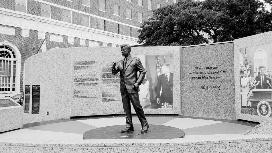 JFK Statue Tribute Forthworth Texas President USA