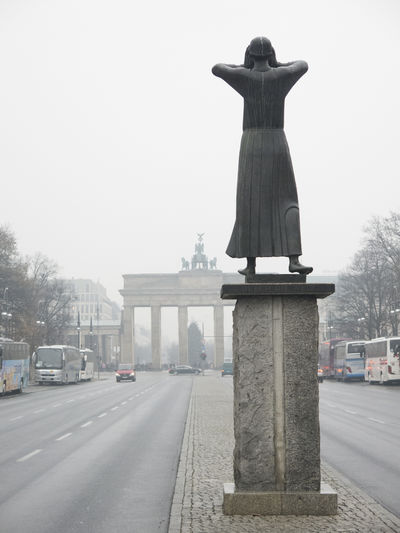 Berlin Berlin Photography Brandenburg Brandenburg Gate Der Rufer German Germany 🇩🇪 Deutschland Germany🇩🇪 The Caller Architecture Brandenburger Tor City Discover Berlin Europe No People Outdoors Statue Tourism Mobility In Mega Cities