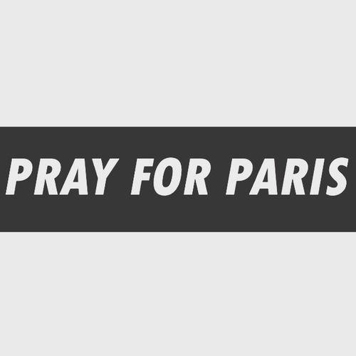 Nous pourrions croire que la nature humaine à ce besoin incontrôlable de sang, de violence.. De tels actes ne sont pas pardonnables.. Aujourd'hui nous avons une France émue et dans le deuil. Merci aux autres pays pour ce soutiens qui nous fait chaud au cœur. Pensée aux familles et aux personnes décédées 🇫🇷 13novembre2015 Prayforparis