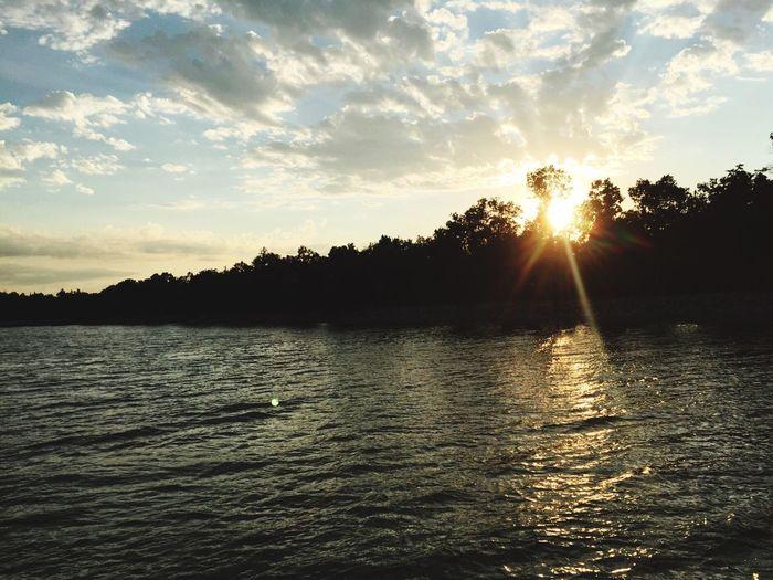 #cloudporn #water #relax #lake #skyporn Beauty In Nature #cloud #ignaturale #canada #relaxing #irox_water #est #toronto #peaceful #instasky #reflection #onda #igcentric_nature #explorecanada #instabeach #ontario #ic_water #oceano #instasummer #ripple #ocean #relaxation #alberta #ripples #iskyhub