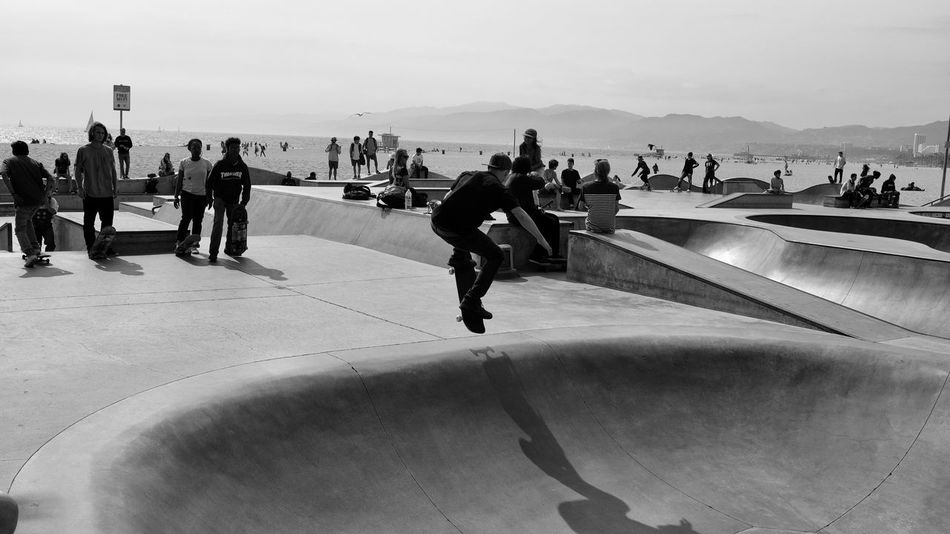 Skateboarding Skateboarding Skateboard Venice Beach Real People Group Of People Crowd Men Sea Lifestyles Leisure Activity Sport