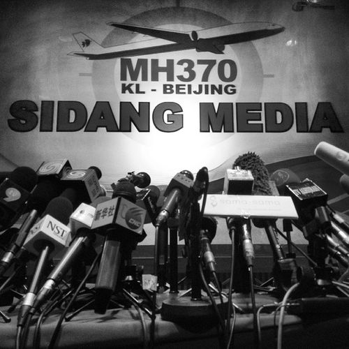 Press Conference of MAS MH370 at Sama Sama Hotel, KLIA. Day 3 working for coverage of MH370. MH370 PrayforMH370 Pray4mh370