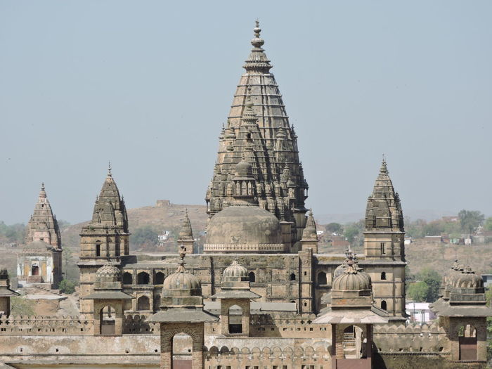 Aerial View from Orchha Fort India Indian Culture  Ancient Civilization Architecture Building Exterior Built Structure Clear Sky Day History Indian Architecture Madhyapradesh Madhyapradeshtourism No People Orchha Outdoors Place Of Worship Religion Sky Spirituality