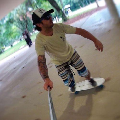 Eu sou do tempo que o skate não tem nem fama nem glória quem não conhece o passado não tá ligado na história. Sk8salva La013 Lafamilia013