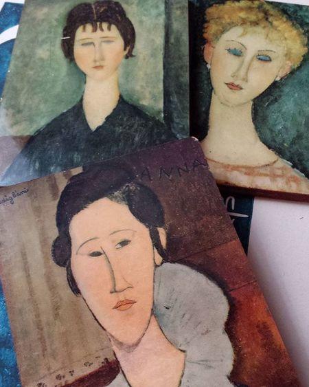 Oggi andiamo di souvenir artistici! Ferrara Modigliani Modiglianiart Lovemodigliani Igart Ig_ferrara Igersferrara Volgoferrara Delphiinternational Myferrara Iloveart Artsgram Art Contemporaryart