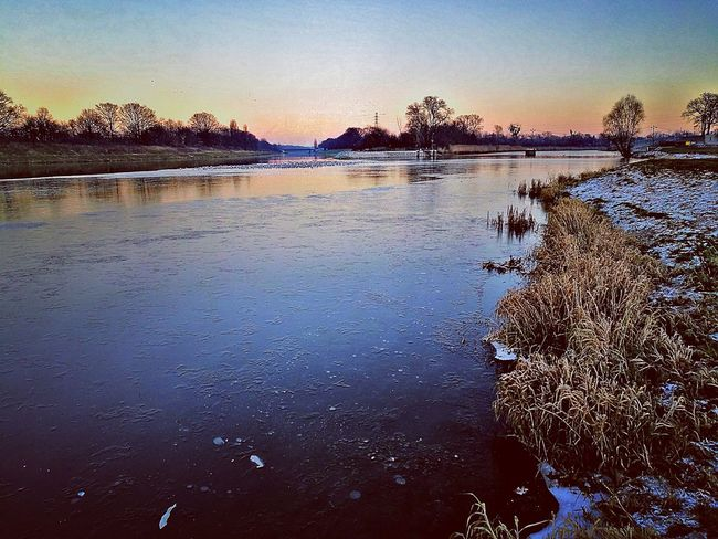 Www.tomaszkucharski.com.pl Winter Sunset Water Nature Outdoors Sky Beauty In Nature Ice River Poland Wroclaw, Poland Zima Rzeka Lod Grass Szron No People HuaweiP9 Huawei