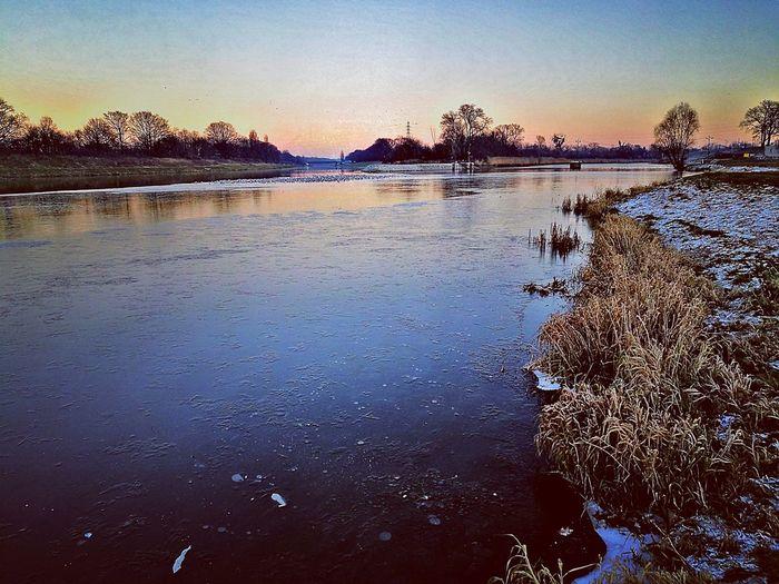 Www.tomaszkucharski.com.pl Winter Sunset Water Nature Outdoors Sky Beauty In Nature Ice River Poland Wroclaw, Poland Zima Rzeka Lod Grass Szron No People HuaweiP9 Huawei