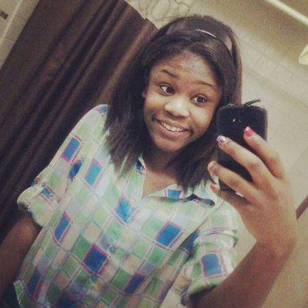 Late......but mee.......i like my smile on thiss picture