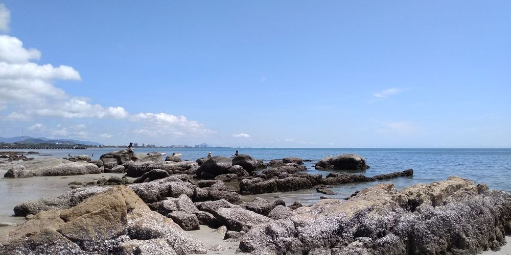 Rocky Shore Huahin Huahin Thailand HuaHin Sea@Thailand Thailand Beach Rocks And Water Rocks And Shells Rocks And Sky Stone Sea Sea Water Beach Tree Blue Sand Sunlight UnderSea Sky Horizon Over Water Sea Life Tide