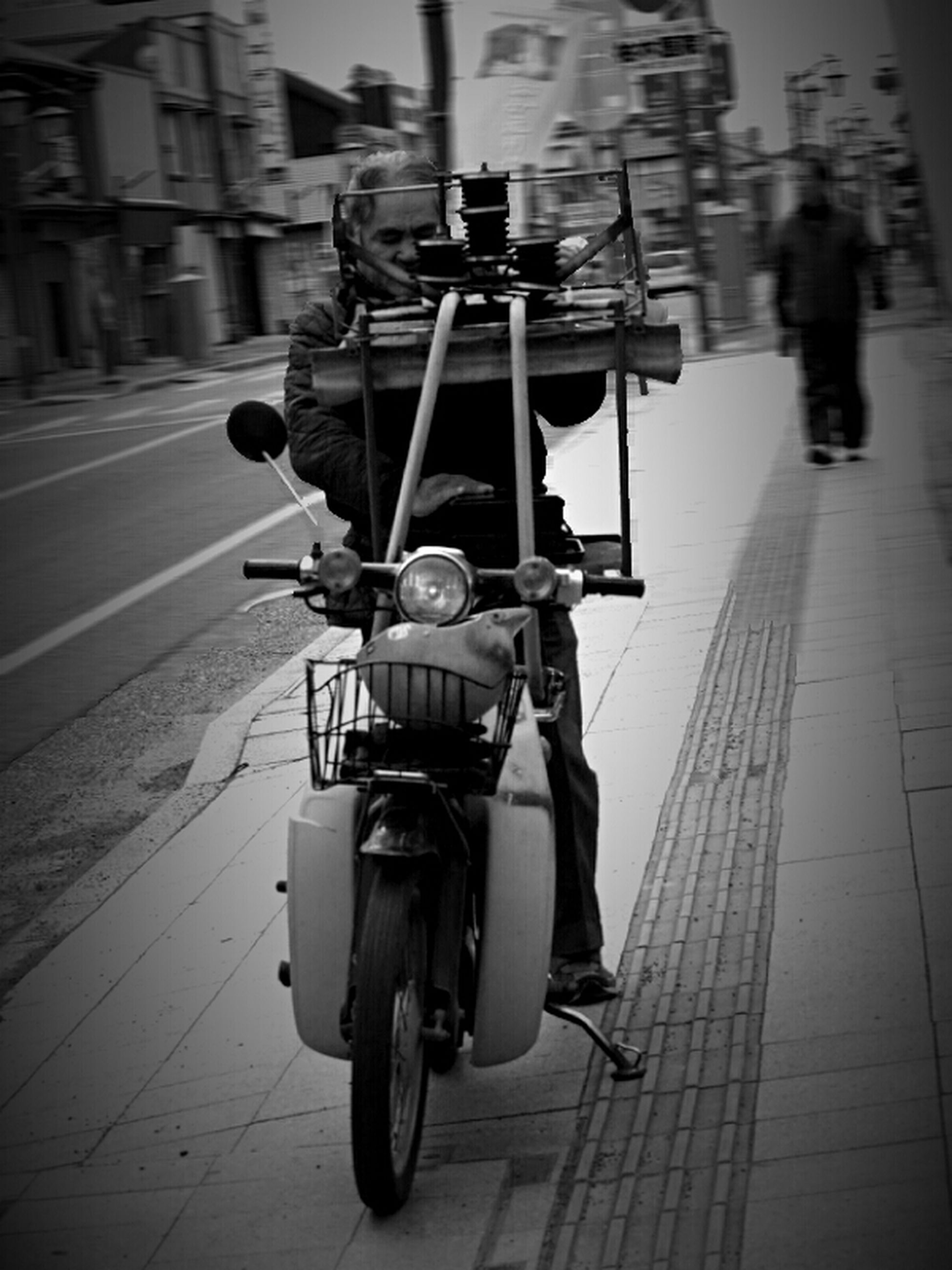 transportation, mode of transport, street, building exterior, bicycle, men, architecture, land vehicle, built structure, lifestyles, city, city life, travel, full length, walking, incidental people, on the move, rear view