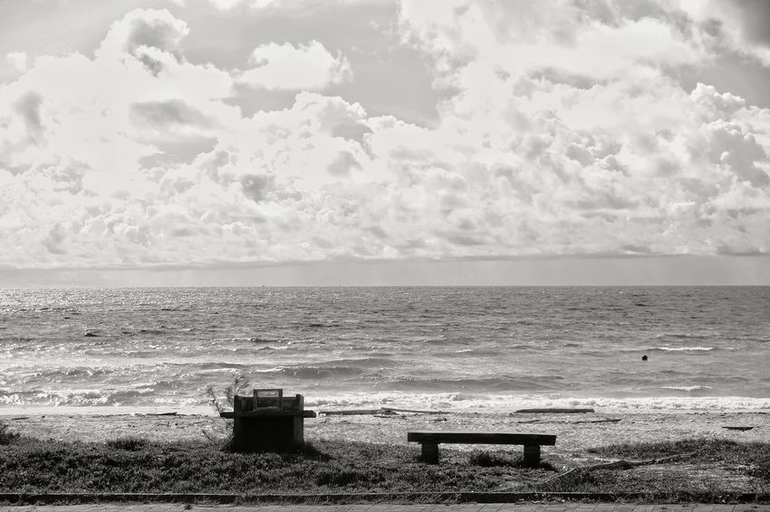 empty EyeEm Gallery EyeEm Selects EyeEm Vision Eyeem Market Blackandwhite Sea Horizon Over Water Water Beach No People Tranquility Cloud - Sky Day Sky Outdoors Nature Scenics Beauty In Nature