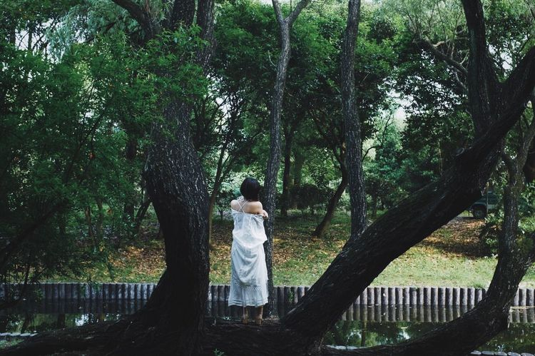This Is My Skin Tree Plant Real People Trunk Tree Trunk Growth Standing Full Length Leisure Activity Nature Lifestyles People Of EyeEm People Photography Girl Young Women Peoplephotography Casual Clothing Day Child Park Young Adult Women Side View Outdoors