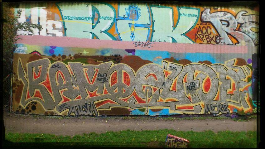 Berlin Wall Of Fame Kreuzberg wall isn't the korrekt Word, .because it's a house.