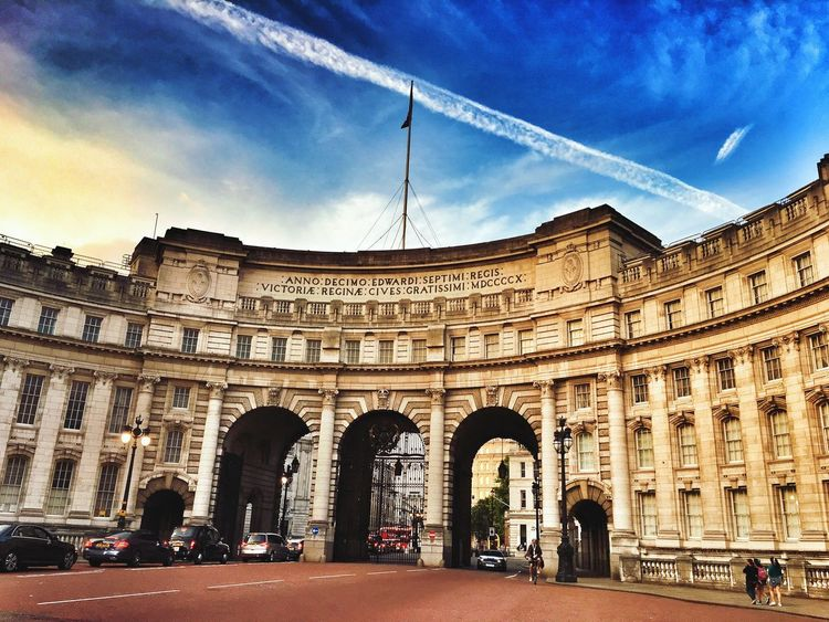 Architecture Built Structure Building Exterior Arch Sky History Travel Travel Destinations Cloud - Sky Outdoors Day City Real People