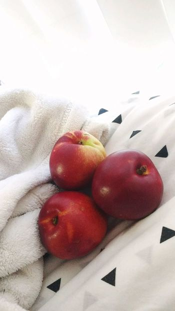 Healthy Eating Fruit Close-up No People Nectarines Sheets In Bed