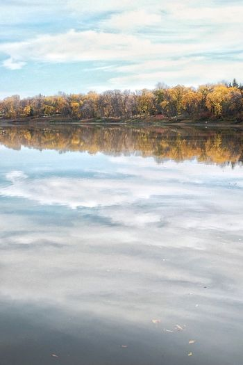 Clouds in the river. Howiseethings Prairie Scenes Automne Beautiful Nature Deceptively Simple Autumn Colors Minimal Water Reflections