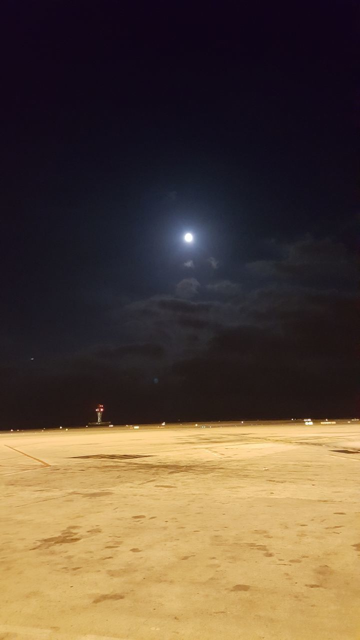 moon, night, sky, illuminated, nature, beauty in nature, no people, outdoors, scenics, cloud - sky, tranquility, moonlight, astronomy