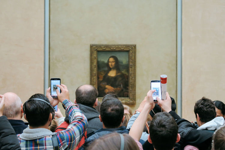 Medium Group Of People Men Religion People Adult The Media Only Men Indoors  Photography Themes Adults Only Day Crowd King - Royal Person Monalisa Louvre Louvre Museum Louvre, Paris. Arts Culture And Entertainment Museum Paris, France  Paris Parisienne EyeEm Selects Art, Drawing, Creativity Scupture