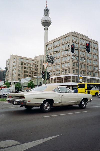 35mm 35mm Film Analogue Photography Classic Car Film Photography Filmisnotdead Kodak Gold 200 Yashicat4