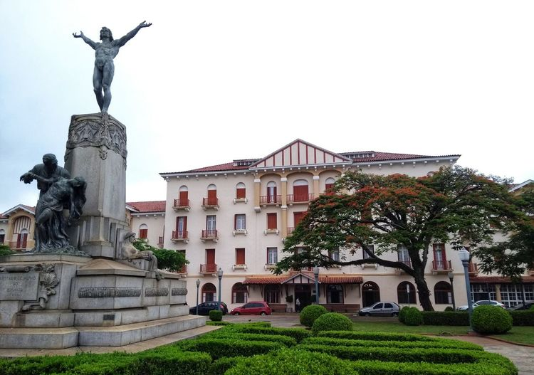 Statue Travel Destinations Architecture History Outdoors Sculpture Building Exterior City Cityscape No People Day Sky Hotel Brazil Minas Gerais Arquitetura Politics And Government