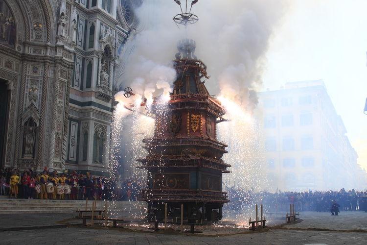 Firework display by duomo santa maria del fiore