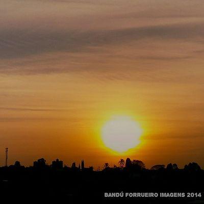 Pôr do sol... Fotododia Fotografiaderua Poa Cidadedepoa fotografia Photography sol pordosol boatarde