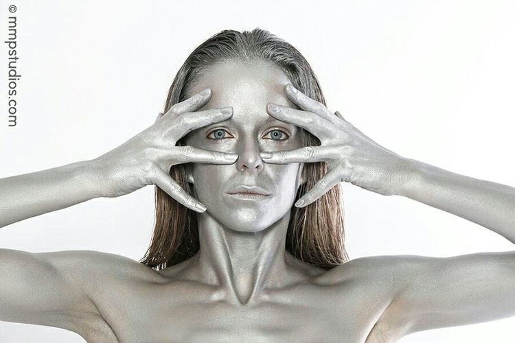 @mmpstudios_com @melvinmaya Photography Photoshoot Model Eyes Bodypaint Silver  Silver Bodypaint People Random Follow Me