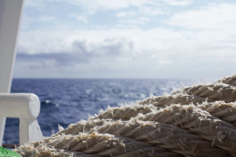 Atlantic Ocean Atlantik Marítim Research Rope Textures and Surfaces Blue Cable Cloud - Sky Focus On Foreground Horizon Over Water Marine Maritime Photography Nautical Nopeople Ocean Photography Sailorslife Strong Taurus Teambuilding Water