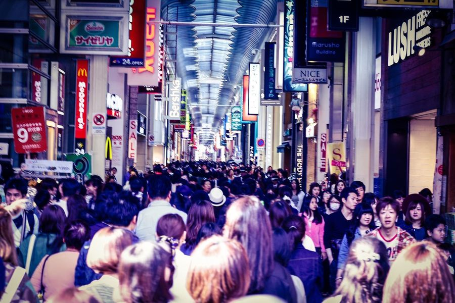 Crowd to the streets Shinsaibashi Suji Osaka Hostravels Hosphotography Canonphotography Canon650d