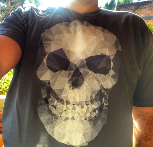 Sometimes i design T-shirts sometimes i wear one of them T-shirt Tshirt Tshirts Tshirt♡ Tshirtoftheday Tshirtcollection Tshirtporn Tshirtmaniac T-shirt Of The Day Skull Skulls find it : http://www.designbyhumans.com/shop/t-shirt/men/skull-polygons/588138/