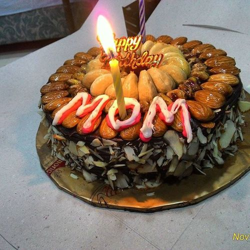 Happybirthdaymom  Worlds Bestest  Mom Meri Umar Aapko Lage