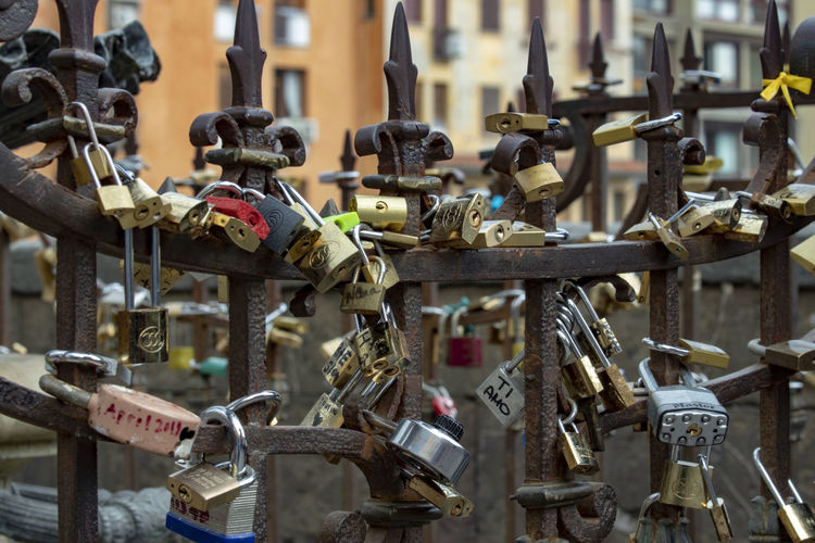 #pontevecchio #oldbridge Hanging Metal Close-up Padlock Love Lock