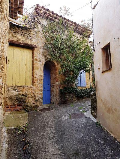 Lourmarin Narrow Street Provence Luberon Door Window House Architecture Building Exterior Built Structure Closed Door