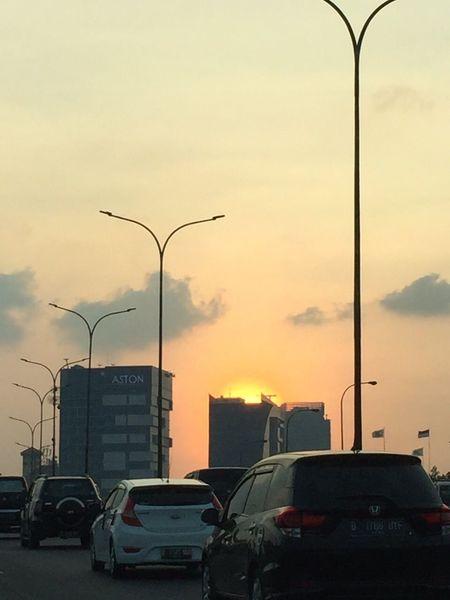 Senja Sore! Sunset Sky Jakarta