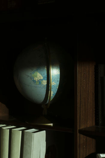 Books Earth Shadows & Lights Astronomy Book Book Shelves Close-up Day Globe Indoors  Light And Shadow No People Photo Photographer Photography Photooftheday Shadow World
