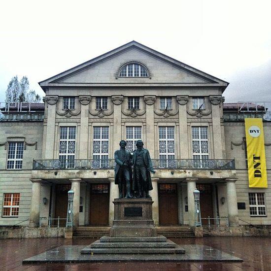 heute frisch geduscht die 2 Schiller Goethe Waytowork Weimar germany