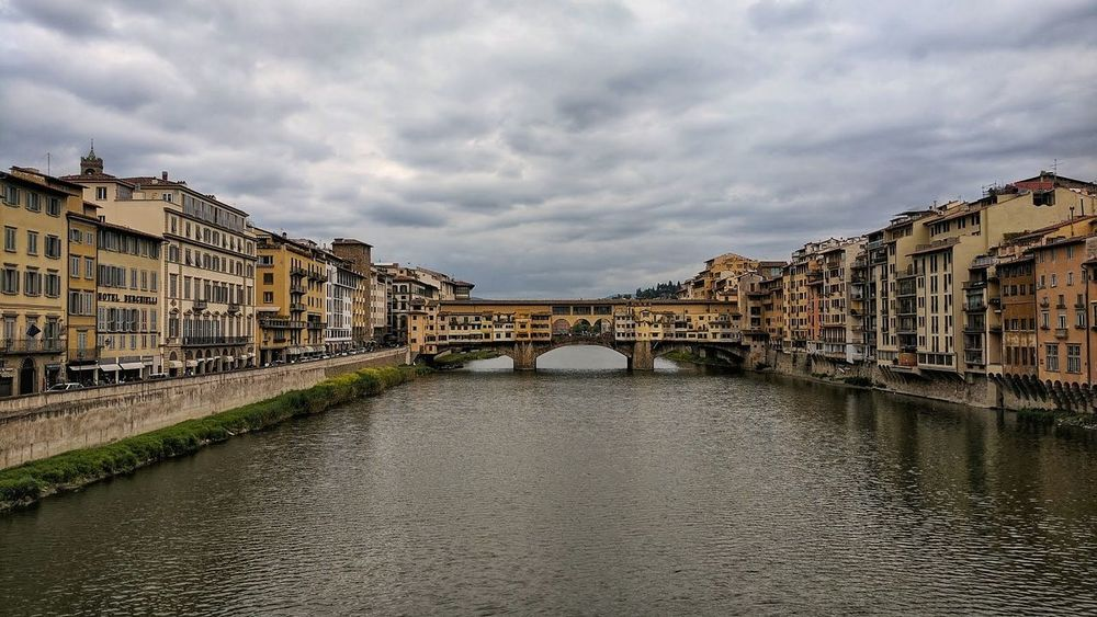 Cloud - Sky Travel Destinations Architecture History Cityscape Built Structure Building Exterior Outdoors Sky Vacations City Day No People Visit Italy Italy❤️ Italia Italy🇮🇹 Beautiful Destinations Beachphotography Florencia, Italia Florence Italy Cityscape Bridge