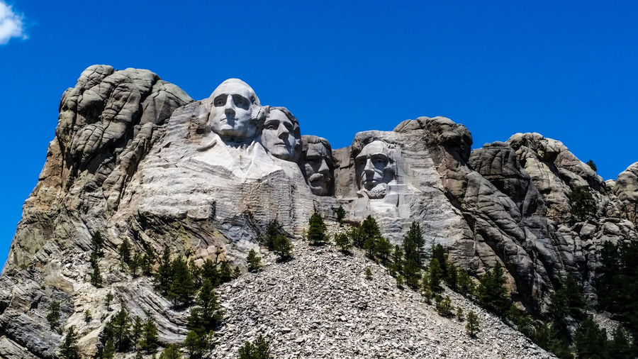 Check This Out Mt. Rushmore Monument George Washington Abraham Lincoln Theodore ROOSEVELT Thomas Jefferson Rock Rock Carvings Granite Rock Face Mountain View Keystone SD South Dakota National Memorial Blue Sky Best Shot This Week On Eyeem Sculpture Sculptures Presidents