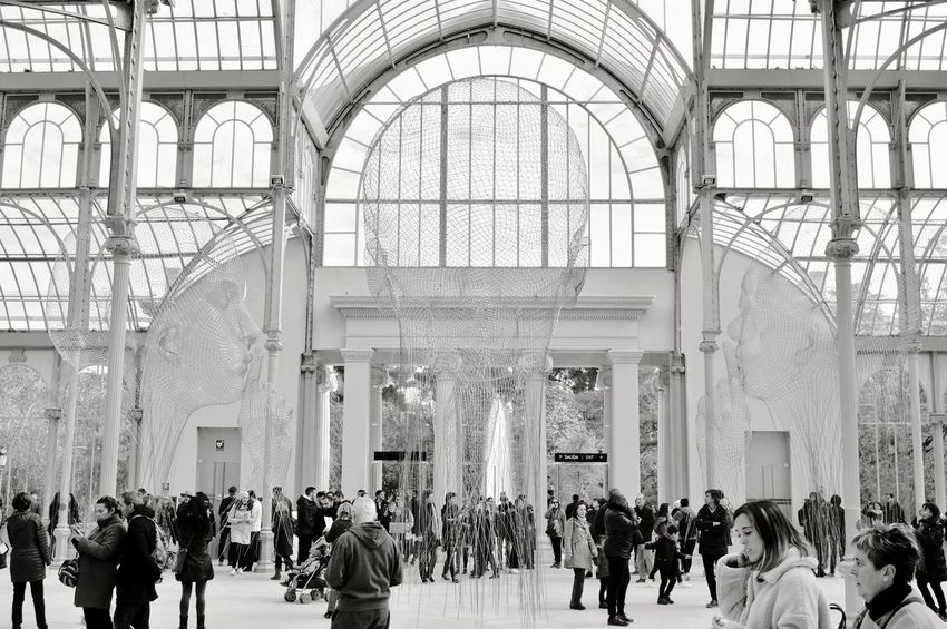 Silence... Madrid Parque Del Retiro Picoftheday Friki City Men Architecture Built Structure Archway Place Of Worship Arch Historic Temple Dome Arcade Palace Visiting Mosque Cathedral Triumphal Arch