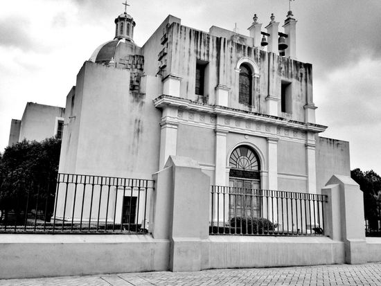 Blackandwhite Streetphoto_bw Streetphotography Traveling Taking Photos Iglesia Old Church Catholic Church Sagrado Corazon De Jesus Montemorelos
