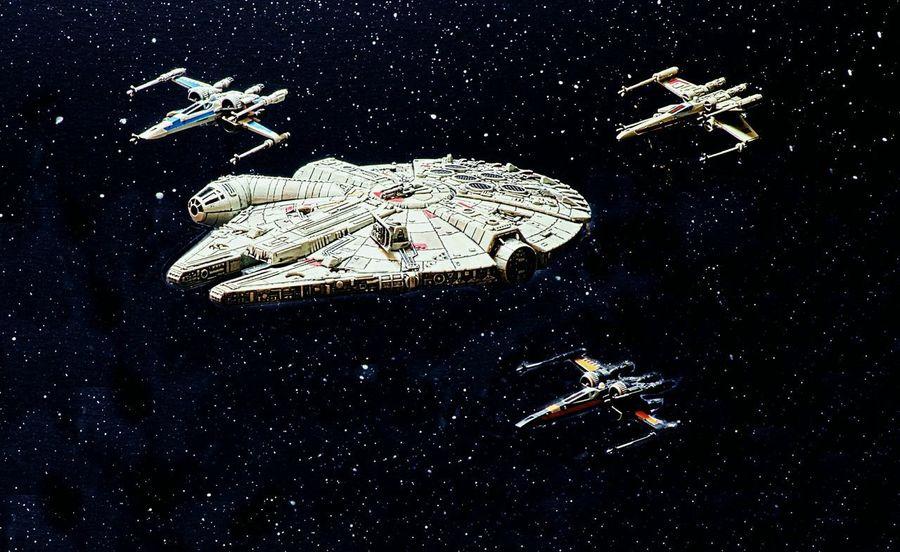 Star Wars Millenium Falcon X-wing Halcon Milenario Space Game